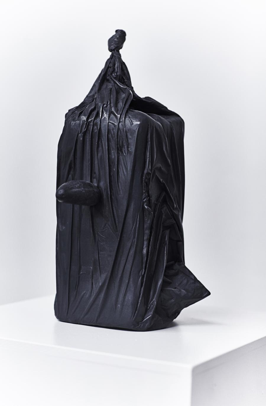 Erwin Wurm | Bad Thoughts VI | 2016 | Bronze patiniert | 42 x 26 x 23 cm | Ed. 2/2 (2 Ed.   2 AP)