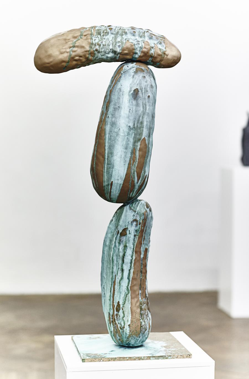 Erwin Wurm | Grüner Veltliner | 2016 | Bronze patiniert | 92 x 43 x 30,5 cm | Version 1/5   2 Ap
