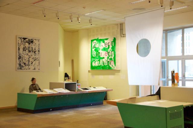 Installationsansicht, Ausstellung BOYS DON'T CRY, Foto Janina Lenz