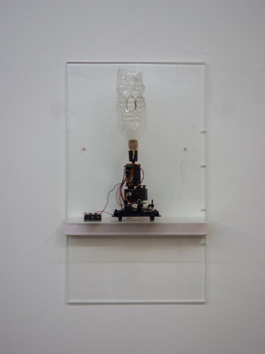 NINO STELZL  Mephisto Acrylglas, Holz, Plastik, Elektronik 70 x 40 x 16 cm
